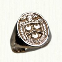 14kt yellow gold family crest signet ring